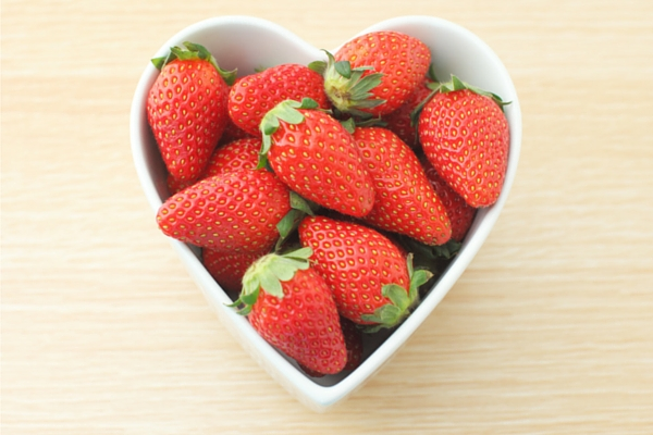 Guide to Strawberry Picking | Rochester MN Moms Blog