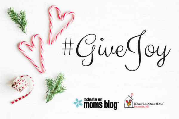 #givejoy, giving, holidays, christmas giving, generosity, ronald mcdonald house, giving back, moms giving back, rochester, minnesota, rochmn, giving with children, christmas projects